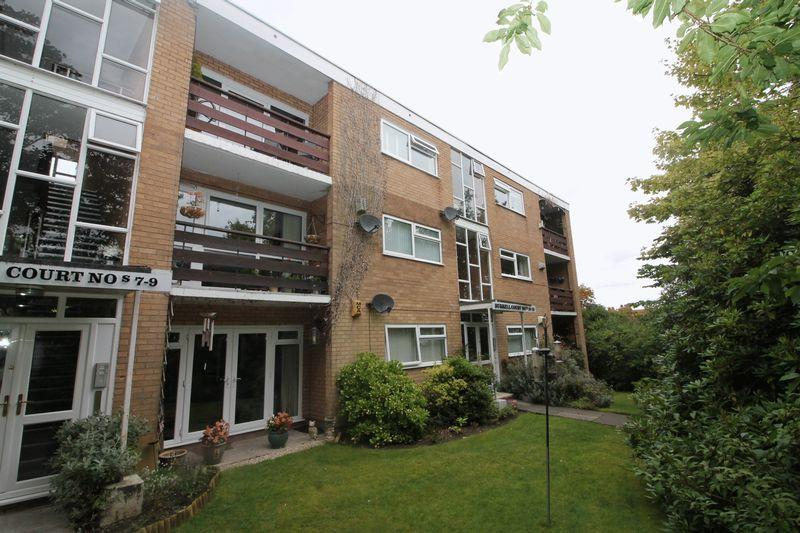 2 Bedrooms Apartment Flat for sale in Burrell Court, Prenton