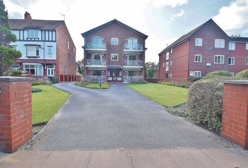 3 Bedrooms Apartment Flat for sale in Park Road, Southport