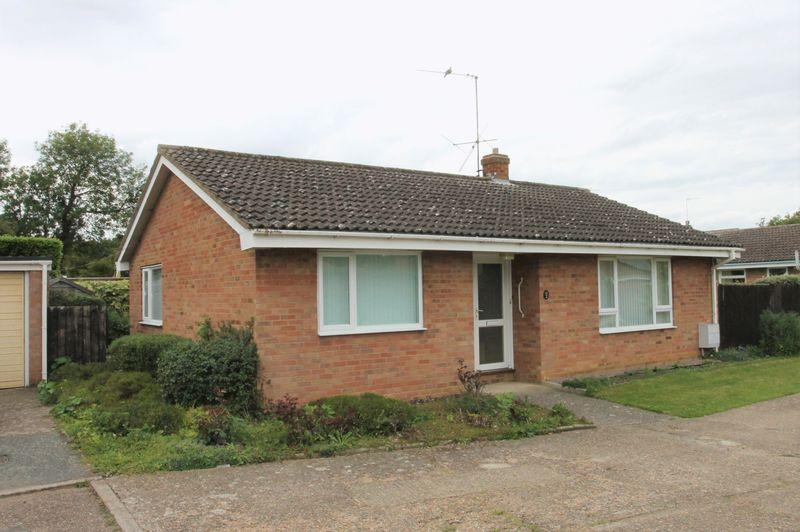 3 Bedrooms Detached Bungalow for sale in Bracken Row, Bury St. Edmunds