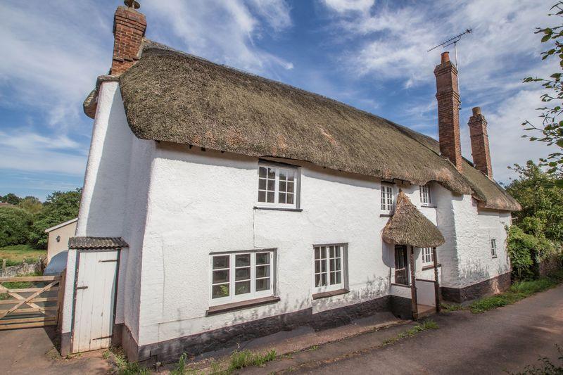 3 Bedrooms Detached House for sale in Moor Cottage, Moor Lane, Shobrooke