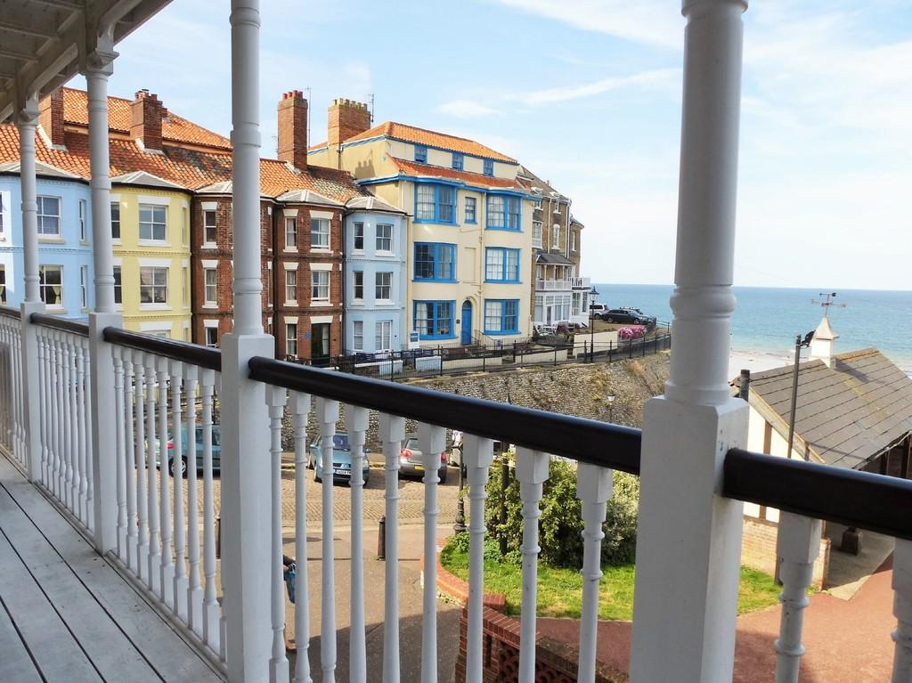 2 Bedrooms Apartment Flat for sale in Cromer