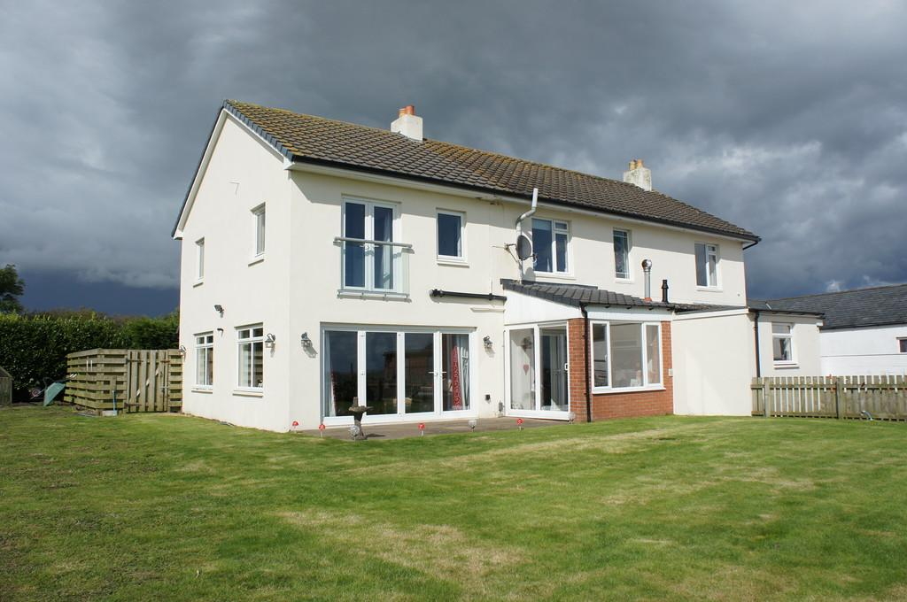 5 Bedrooms Detached House for sale in Newhouse Farm, Gretna