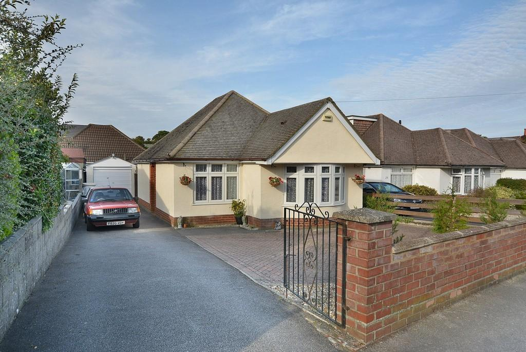 2 Bedrooms Detached Bungalow for sale in Sylvan Road, Parkstone, Poole
