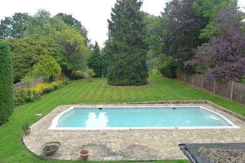 4 bedroom detached house to rent - Oxhey Lane, Pinner