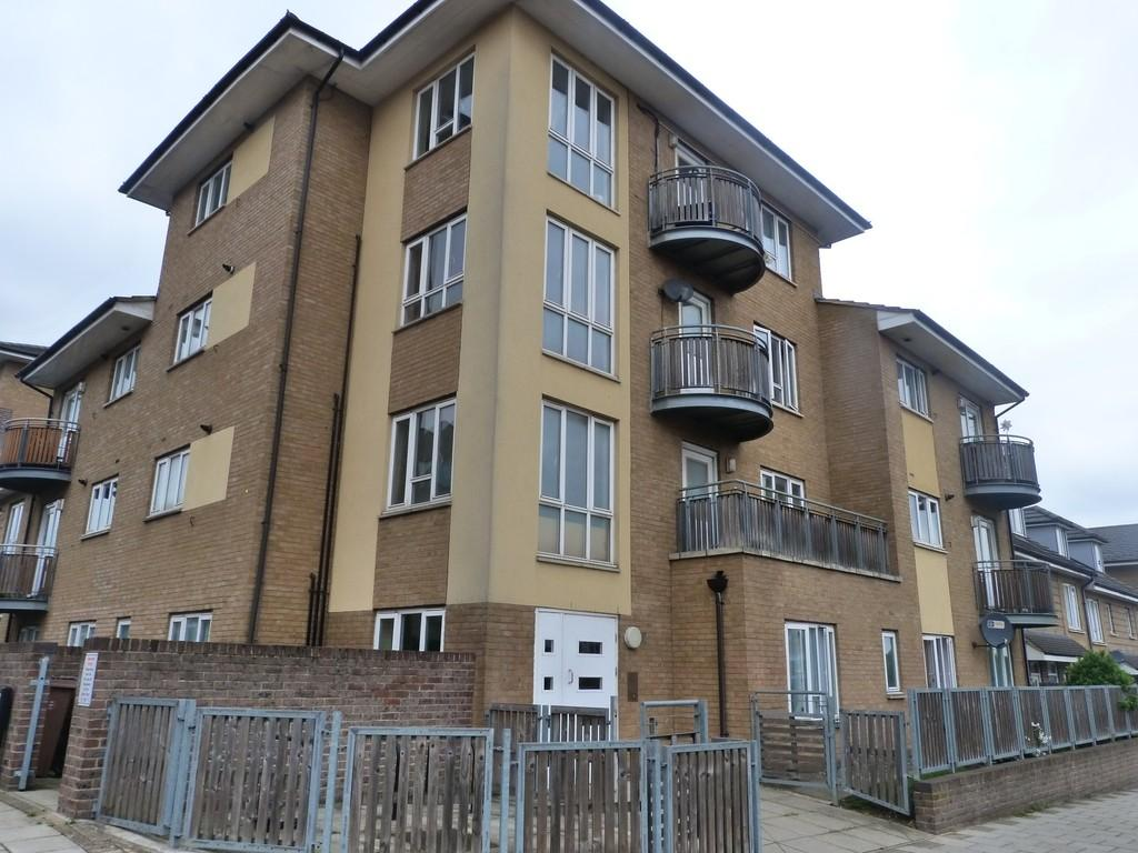 2 Bedrooms Flat for sale in Church Road, Harlesden