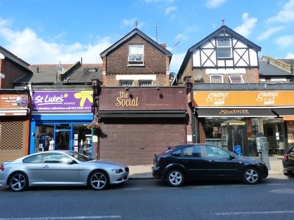 1 Bedroom Flat for sale in Walm Lane, Willesden