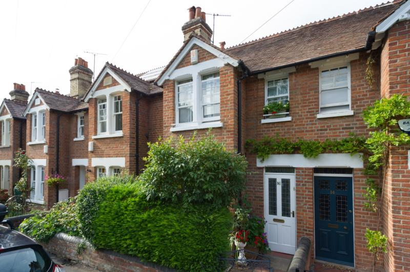 2 Bedrooms Terraced House for sale in Church Way, Iffley, Oxford, Oxfordshire