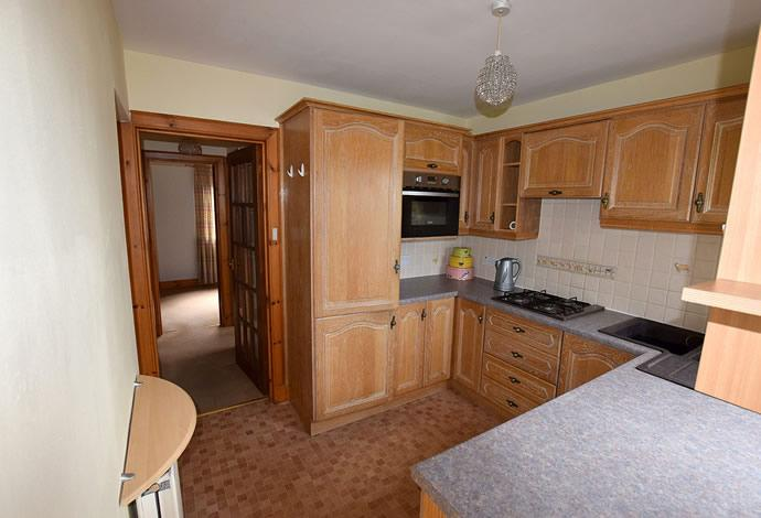 2 Bedrooms Flat for sale in 21 Forest Road, Selkirk, TD7 5DA