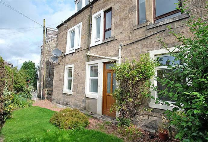 2 Bedrooms Flat for sale in 125 Magdala Terrace, Galashiels, TD1 2HX