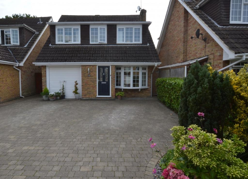 4 Bedrooms Detached House for sale in Hillhouse Close, Billericay, Essex, CM12