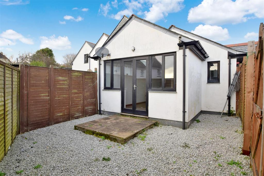 2 Bedrooms Bungalow for sale in Penryn