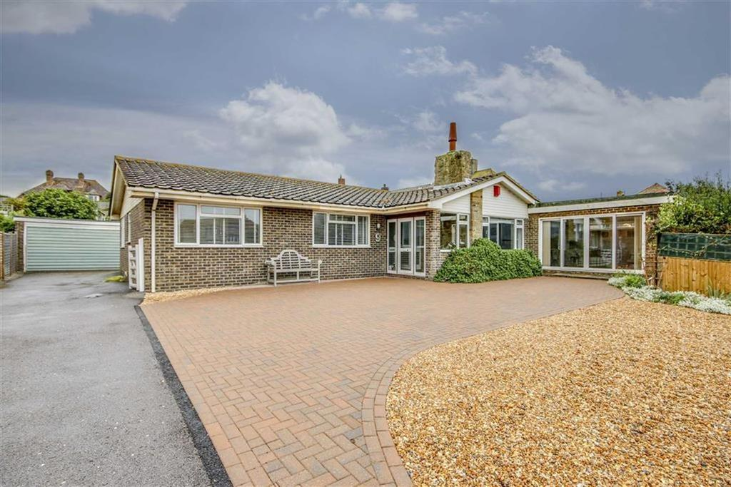 4 Bedrooms Detached Bungalow for sale in Corsica Close, Seaford