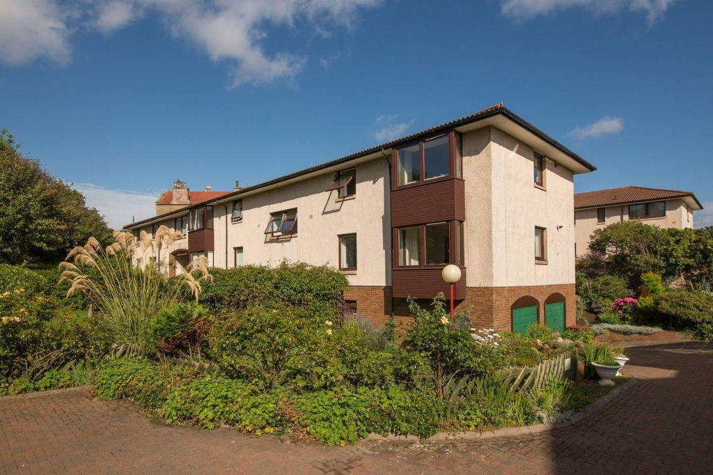 2 Bedrooms Ground Flat for sale in Flat 13 Broadhaven, East Links Road, Dunbar, East Lothian, EH42 1LT