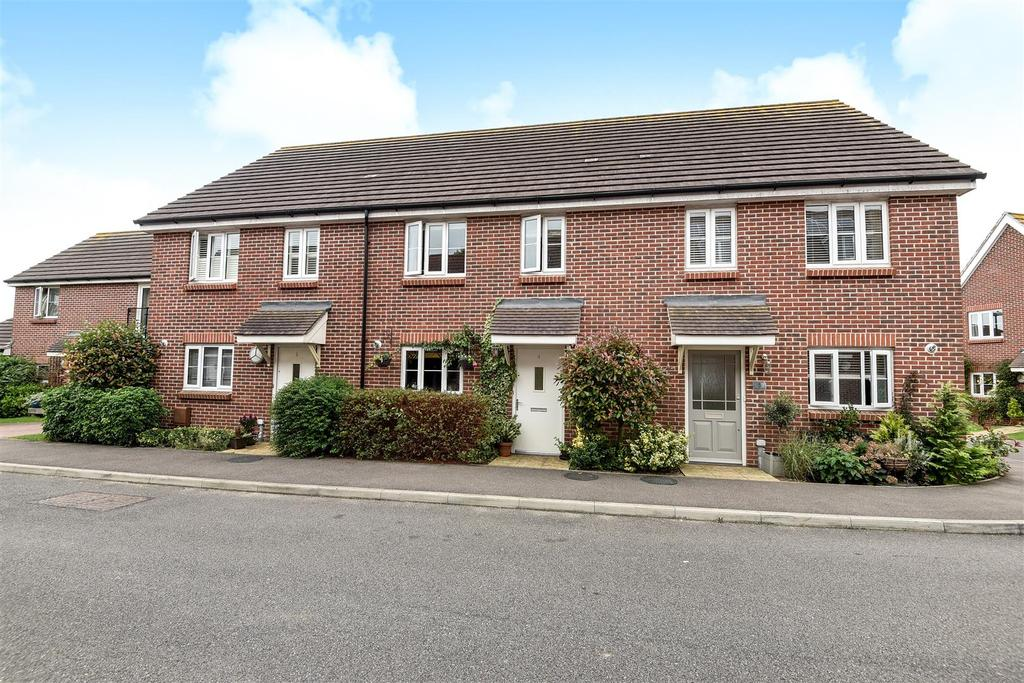3 Bedrooms Terraced House for sale in Cuckoo Fields, Fishbourne, Chichester
