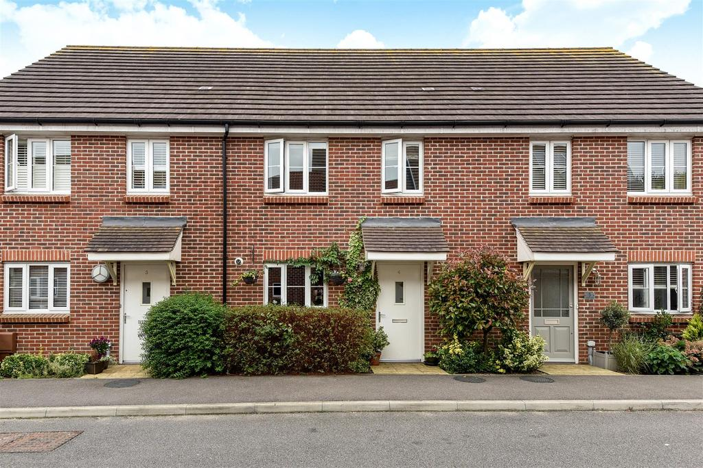 3 Bedrooms Terraced House for sale in Cuckoo Fields, Fishbourne