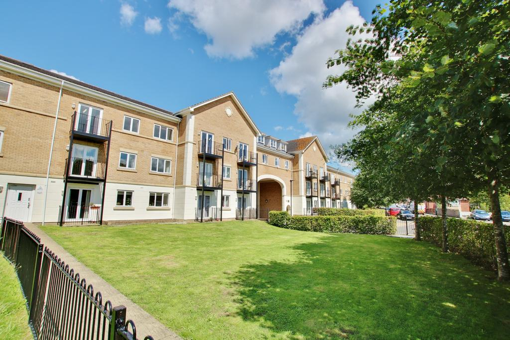 2 Bedrooms Apartment Flat for sale in The Dell, Southampton