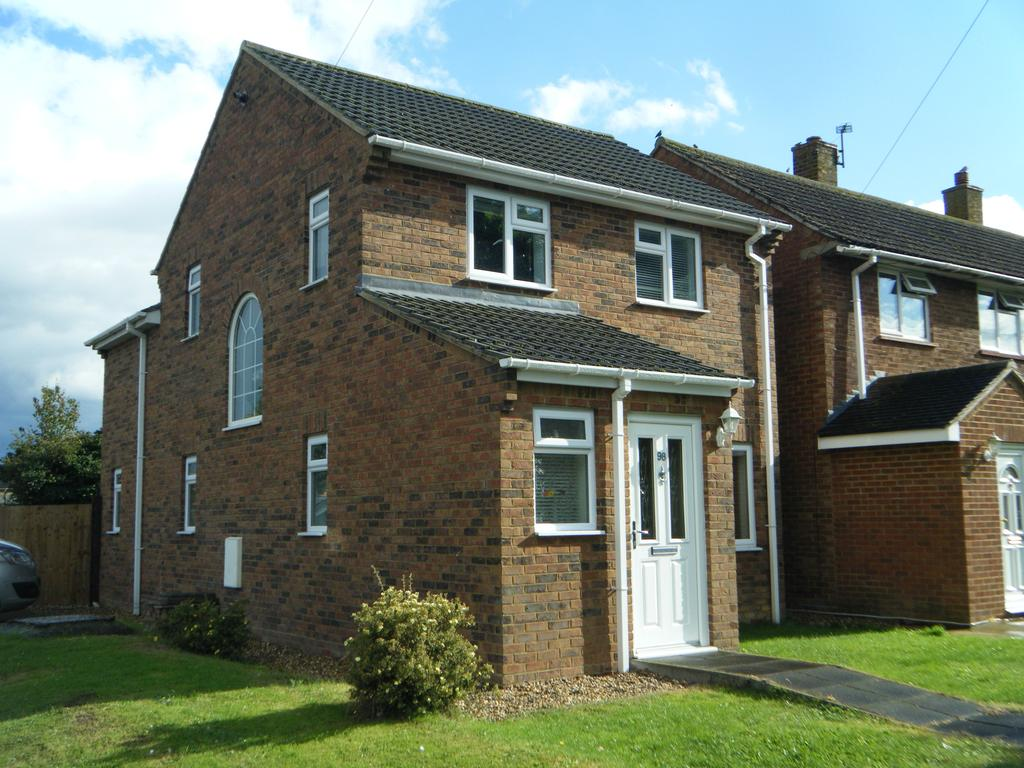 3 Bedrooms Detached House for sale in Vaughan Road, Stotfold, SG5 4EW