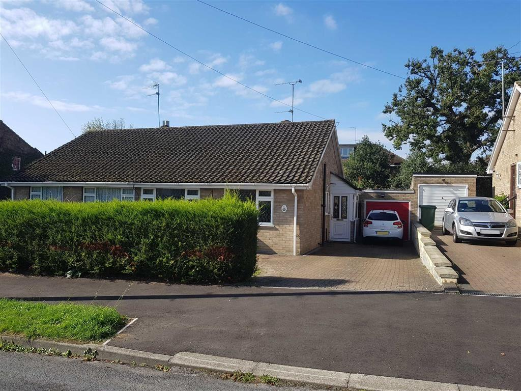2 Bedrooms Semi Detached Bungalow for sale in Windmill Avenue, St Albans, Hertfordshire