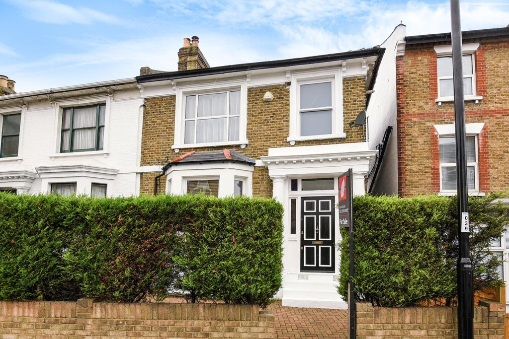 3 Bedrooms Detached House for sale in Portland Road London SE25