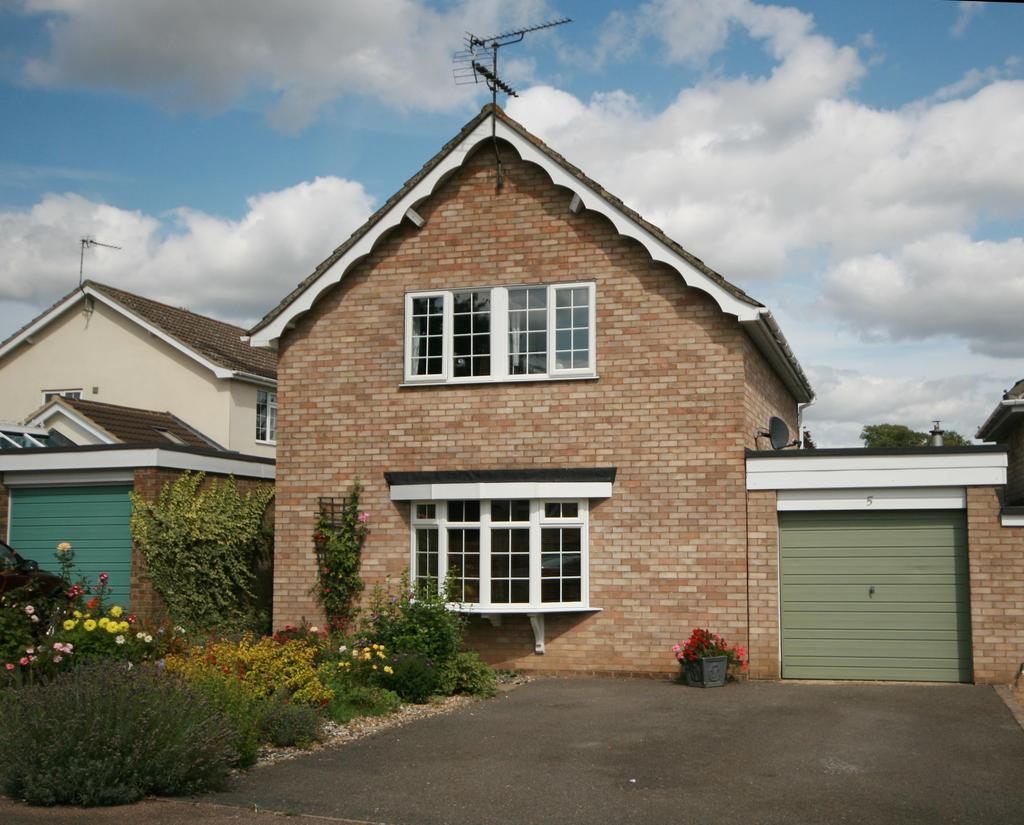 3 Bedrooms Link Detached House for sale in The Oaks, Horringer, Bury St Edmunds IP29