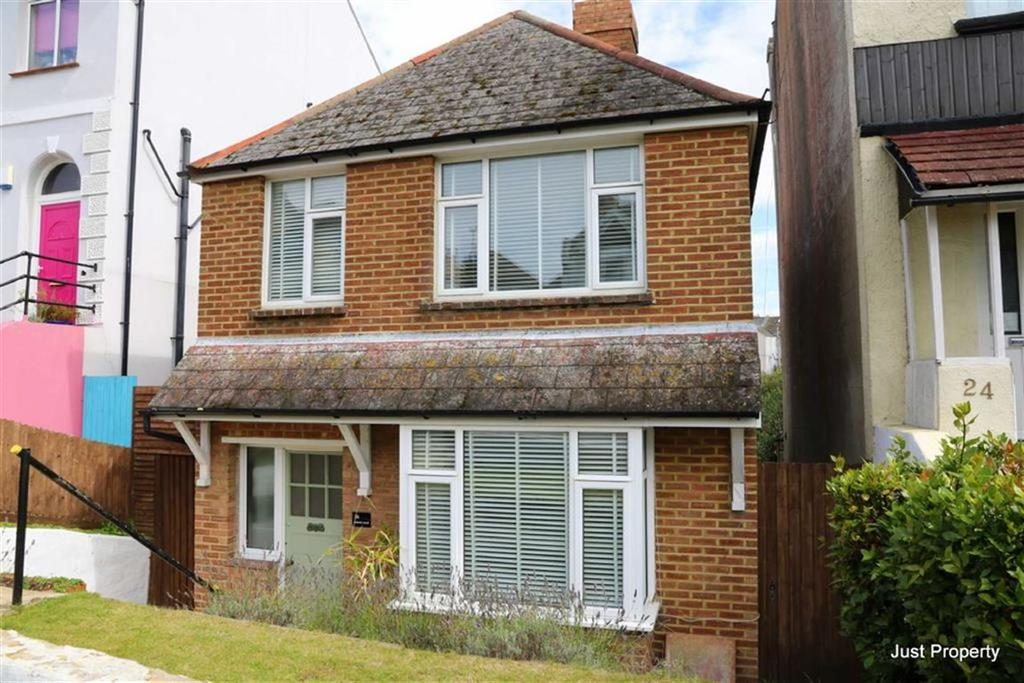 3 Bedrooms Detached House for sale in Edwin Road, Hastings