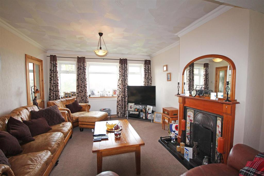 3 Bedrooms End Of Terrace House for sale in Carden Hill, Hollingbury, Brighton