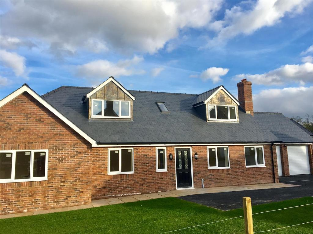 5 Bedrooms Detached Bungalow for sale in Paradise Meadows, Marden, Hereford