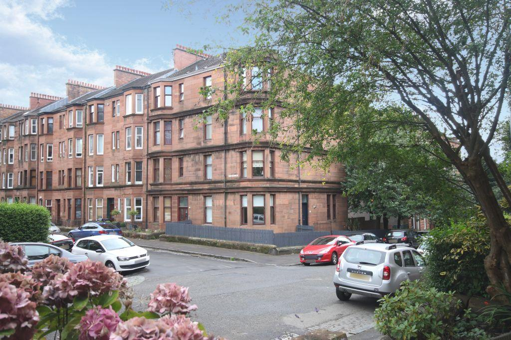1 Bedroom Flat for sale in 3/1, 31 Kennoway Drive, Thornwood, Glasgow, G11 7TX