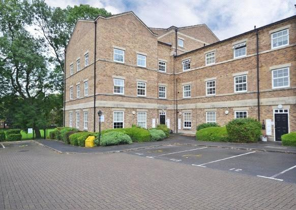 2 Bedrooms Apartment Flat for sale in Cedar Apartments, Chaloner Grove, Wakefield, West Yorkshire