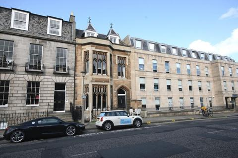 2 bedroom flat to rent - Albany Street, Edinburgh