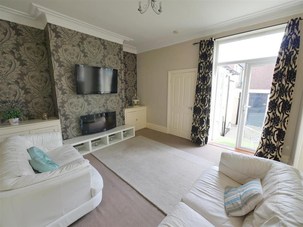 3 Bedrooms Cottage House for sale in Hawarden Crescent, Sunderland