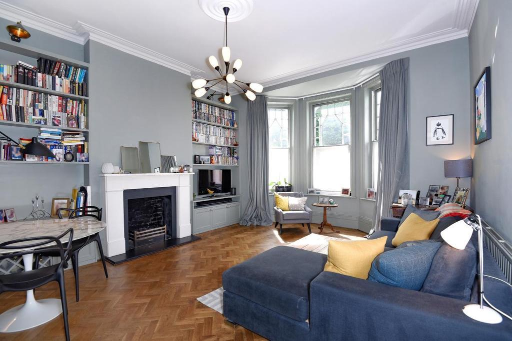 3 Bedrooms Flat for sale in Gondar Gardens, West Hampstead