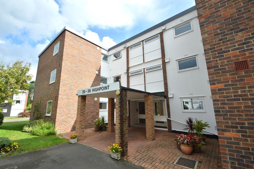 3 Bedrooms Apartment Flat for sale in High Point, Weybridge, Surrey, KT13