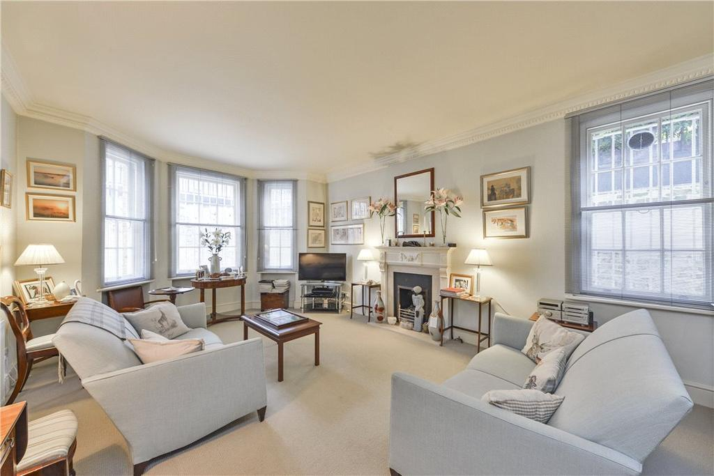3 Bedrooms Flat for sale in Bullingham Mansions, Kensington Church Street, London, W8