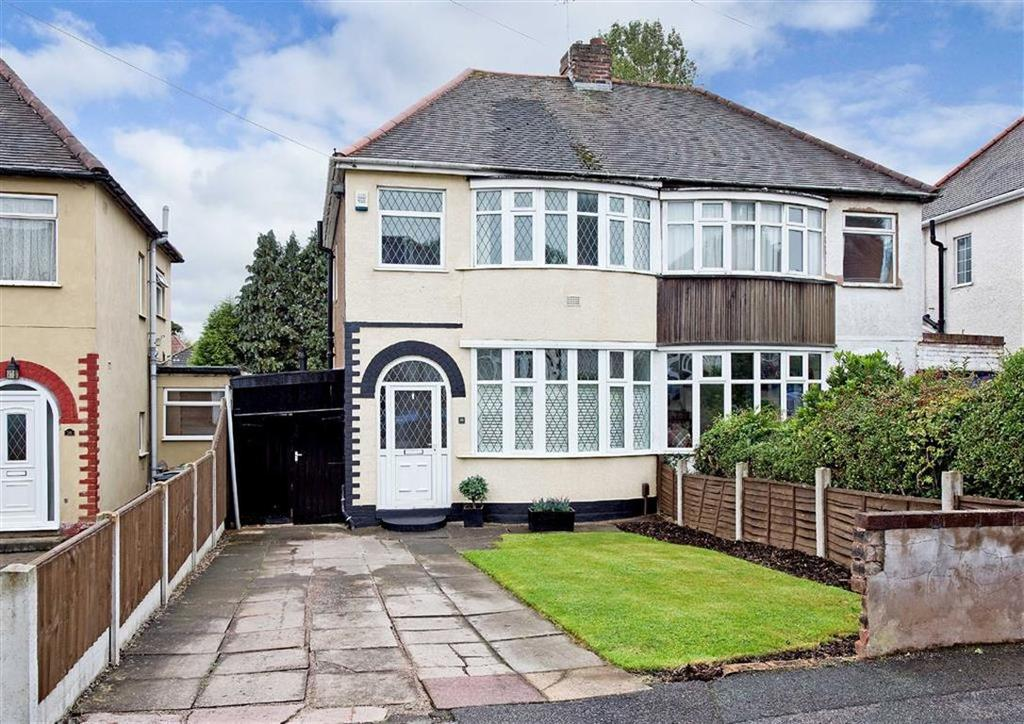 3 Bedrooms Semi Detached House for sale in 74, Lynton Avenue, Claregate, Wolverhampton, West Midlands, WV6
