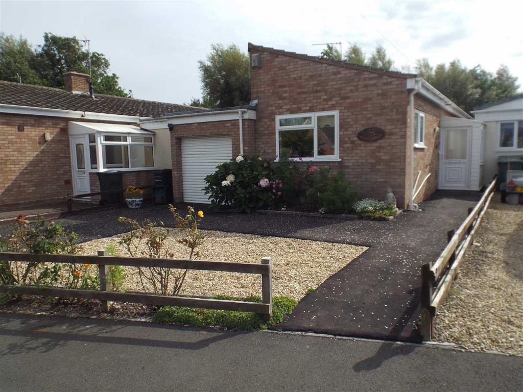 2 Bedrooms Semi Detached Bungalow for sale in Maple Drive, Burnham-on-Sea