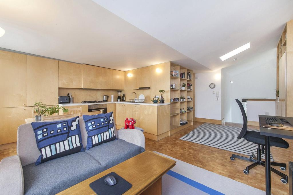 1 Bedroom Flat for sale in Gaisford Street, Kentish Town, London