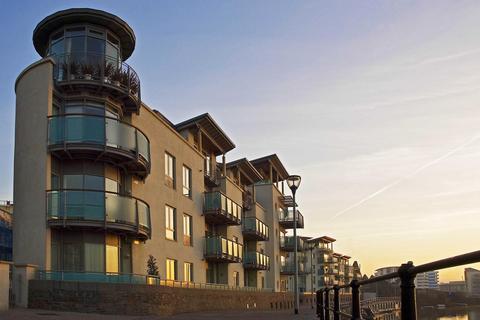 2 bedroom flat to rent - Capricorn Place, Hotwells Road