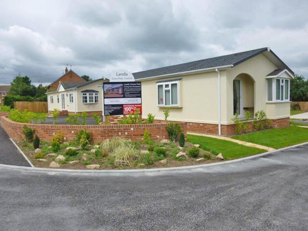 2 Bedrooms Park Home Mobile Home for sale in Plot 1, Park Homes, Landa Grove Park