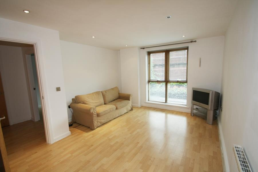 1 Bedroom Apartment Flat for sale in ST JAMES QUAY, 4 BOWMAN LANE, LEEDS, LS10 1HG