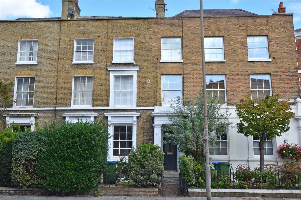 2 Bedrooms Flat for sale in Vanbrugh Park, Blackheath, London, SE3