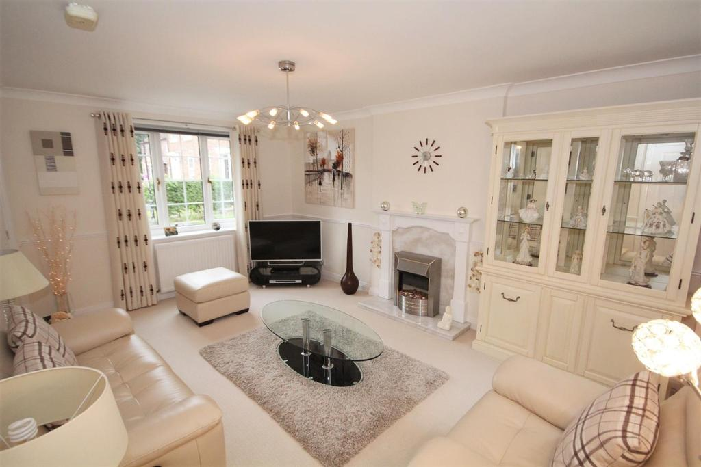 2 Bedrooms End Of Terrace House for sale in Orchard Cottages, Dunnington, York, YO19 5LX