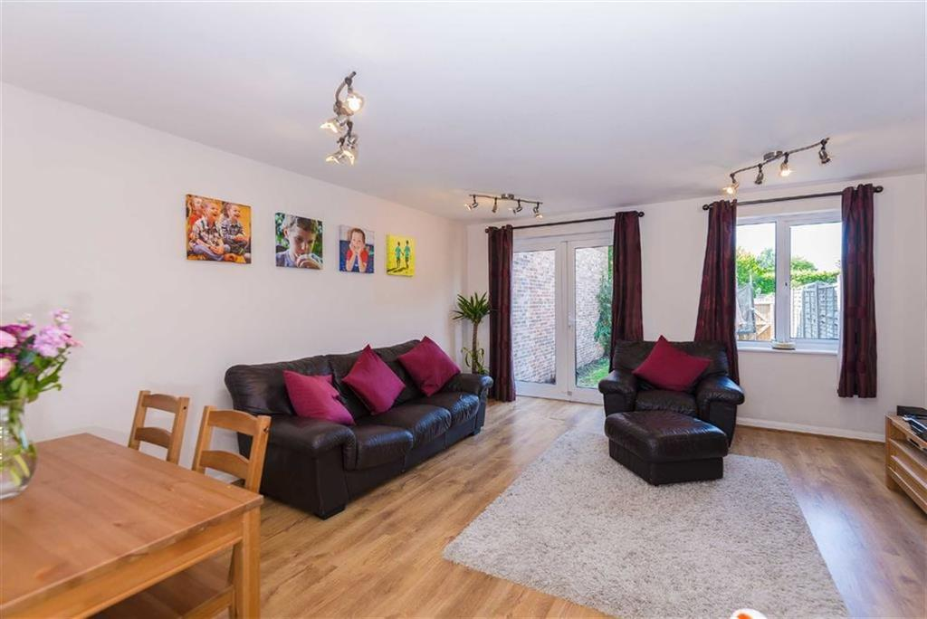 3 Bedrooms End Of Terrace House for sale in Columbia Avenue, Eastcote, Middlesex