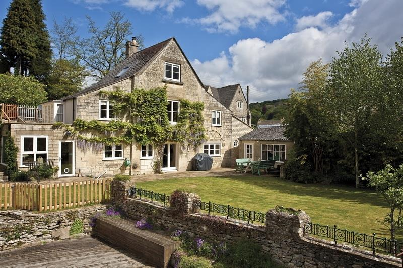 3 Bedrooms Detached House for sale in Brewery Lane Nailsworth, Stroud