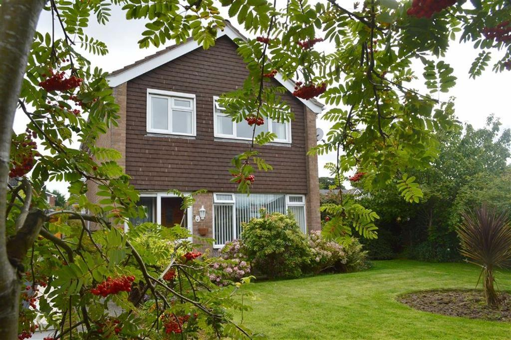 3 Bedrooms Detached House for sale in Davenham Close, Oxton, CH43