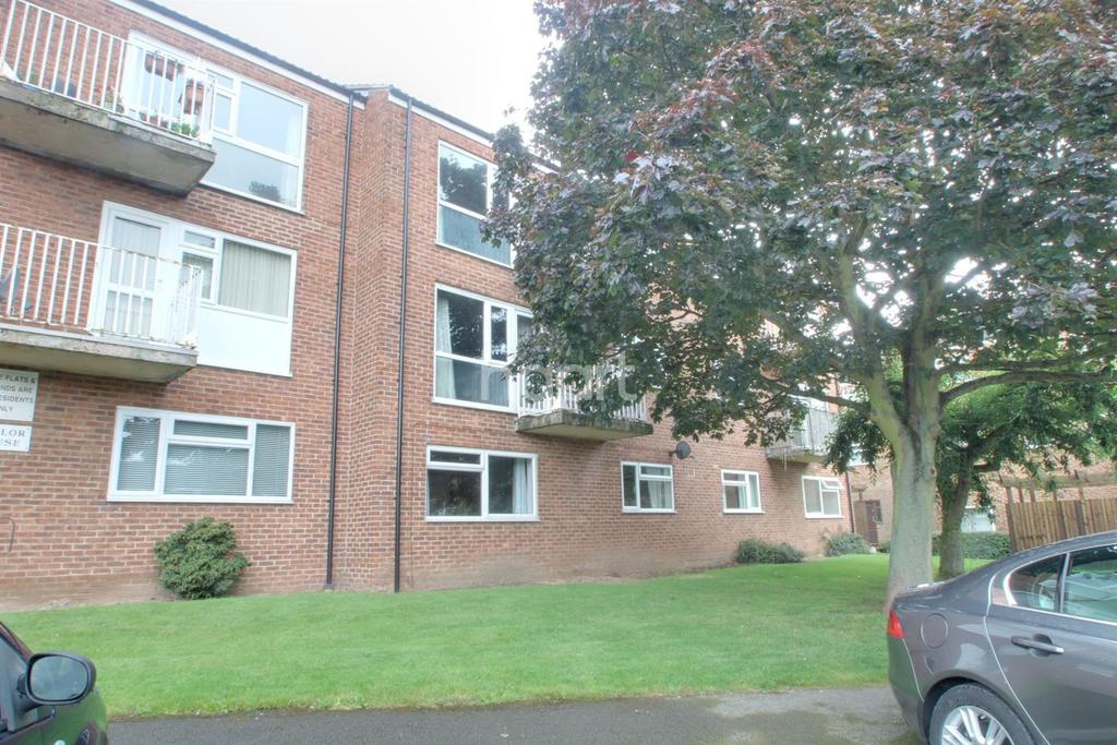 2 Bedrooms Flat for sale in Naylor House, Arnold, Nottingham.