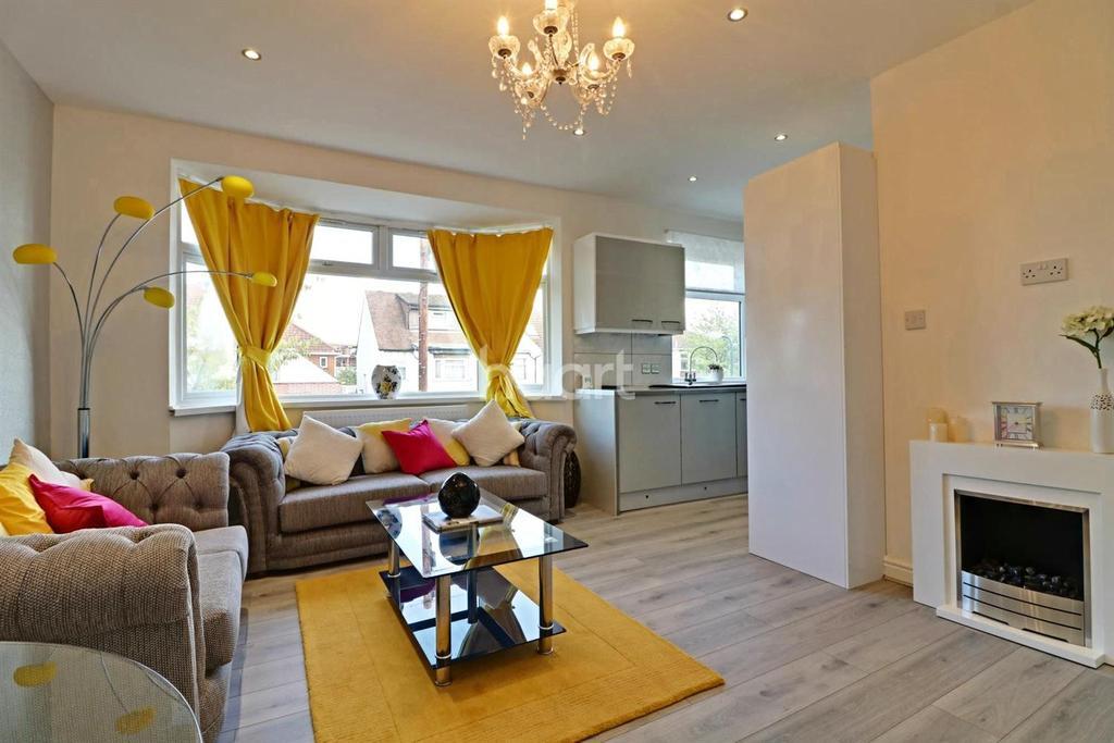 2 Bedrooms Maisonette Flat for sale in Norton Road, Wembley Central