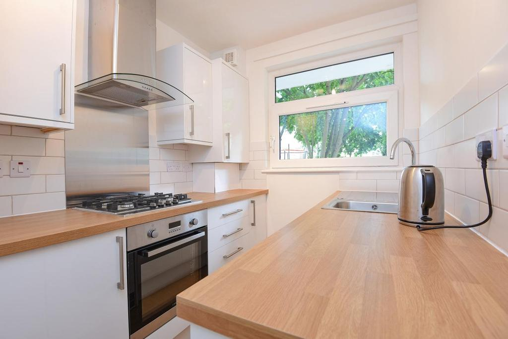 1 Bedroom Flat for sale in Dray Gardens, Brixton