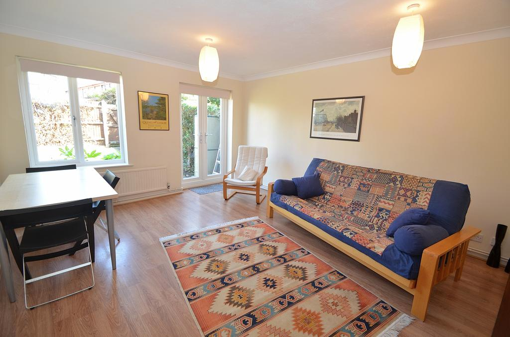 2 Bedrooms Terraced House for sale in Brunel Close, Crystal Palace SE19