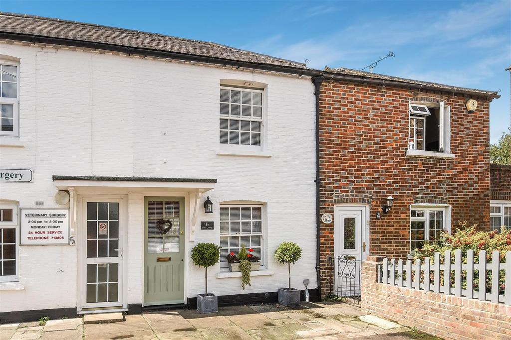2 Bedrooms Terraced House for sale in River Road, Arundel